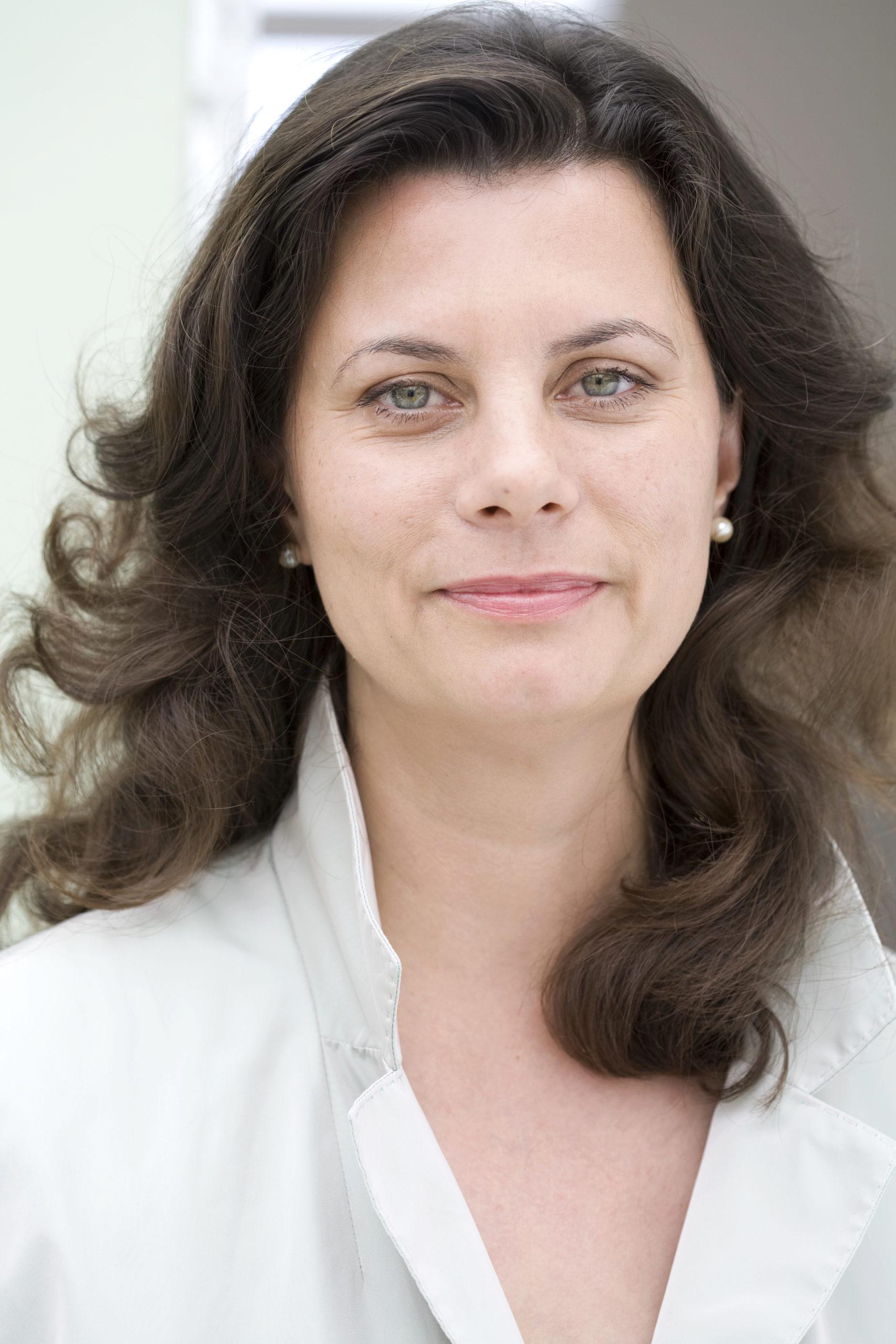 """ONLINE-Event mit Krisenexpertin Tamara Dietl """"Kündigen Sie mir, damit wir durchhalten.""""Vom Umgang mit einer existentiellen Krise."""