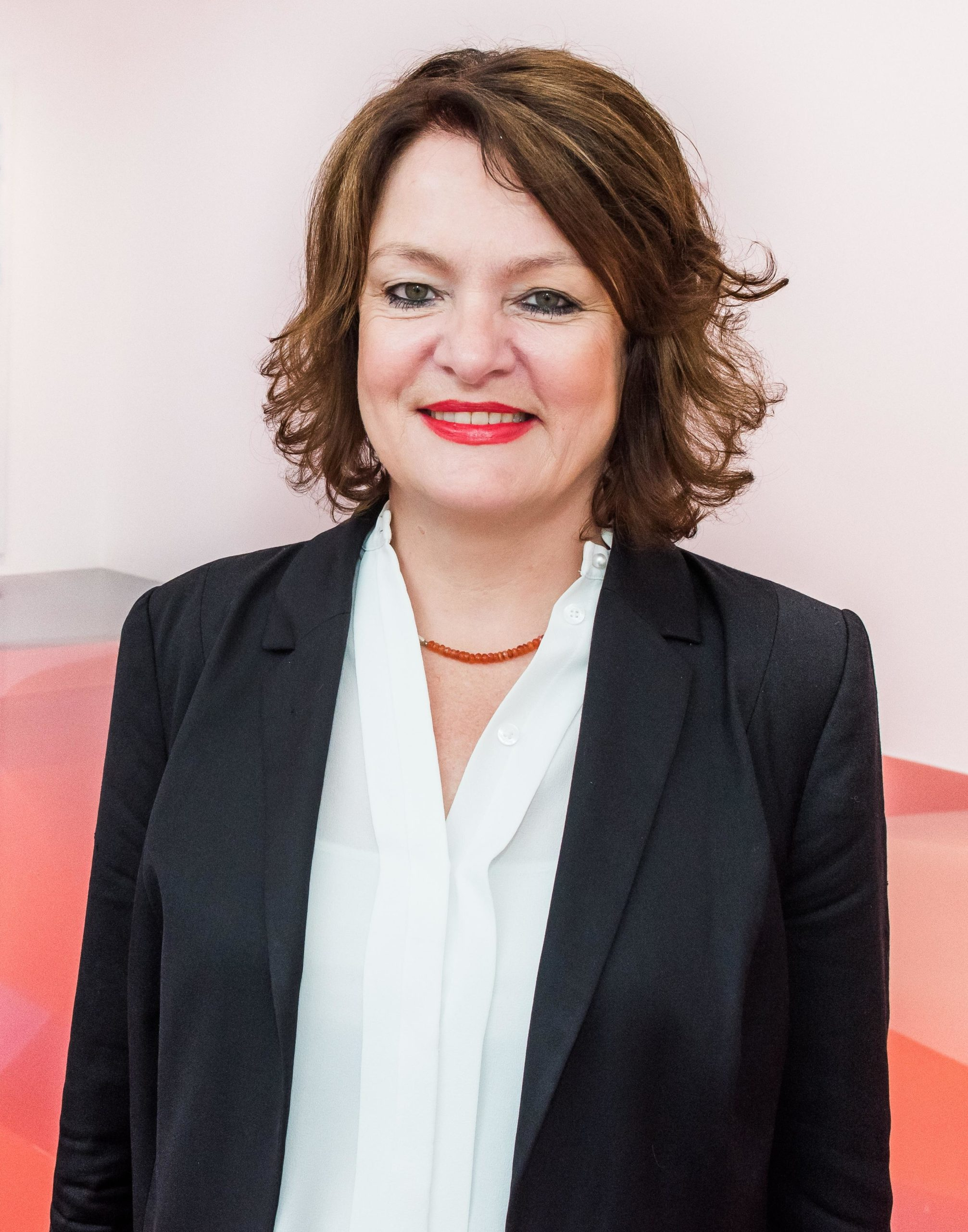 """manager lounge: Kunstexpertin Dr. Ulrike Lehmann: """"Wirtschaft trifft Kunst"""" – Warum Kunst das kreative Kapital erfolgreicher Unternehmen ist"""