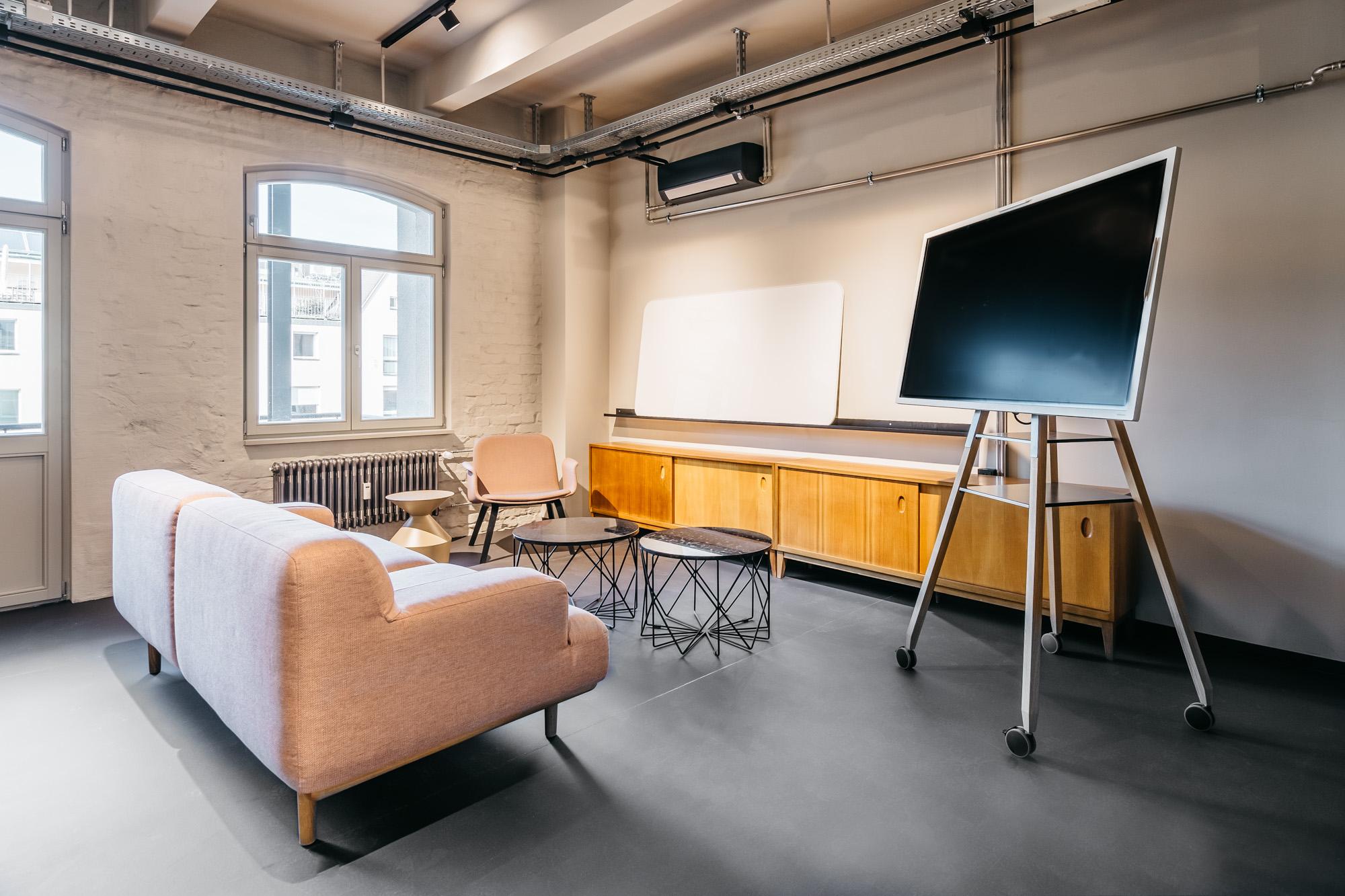 Clubhaus Luitpold by Rotonda