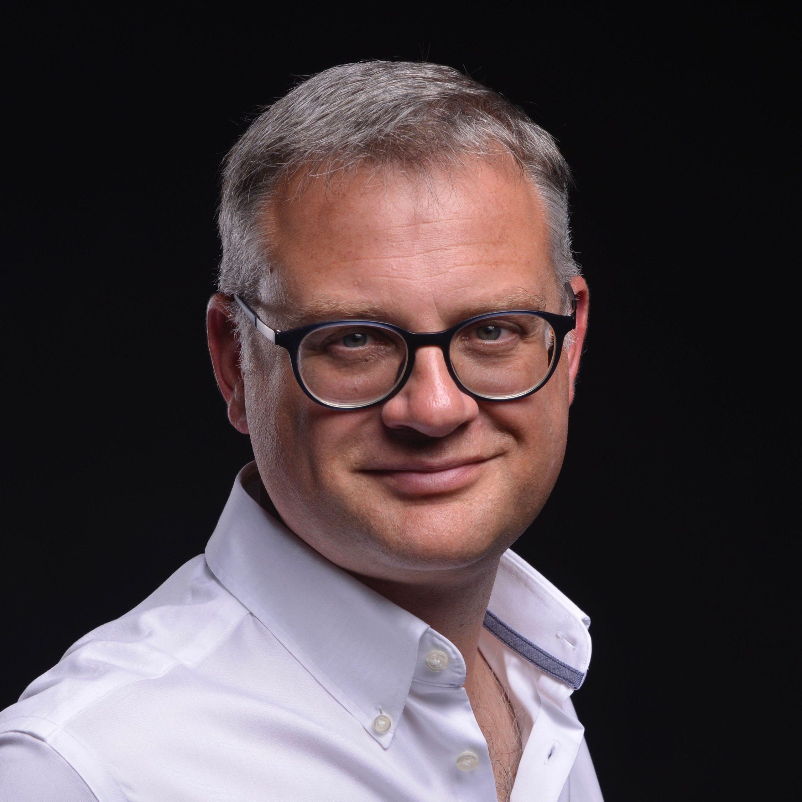 Dr. Marcus Disselkamp, Autor, Unternehmensberater und Trainer: KLUGE KÖPFE by GABAL: Digital L€ADERS - Wie Sie mit der Digitalisierung Geld verdienen.